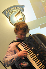 Manfred Kaierle am Roland FR-7 V-Accordion